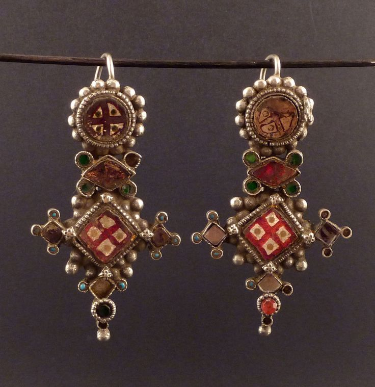 Indian Rajasthani old earrings, called Pupat, silver indian jewelry, jewellery from Gujarat, ethnic tribal jewelry, indian ethnic silver.