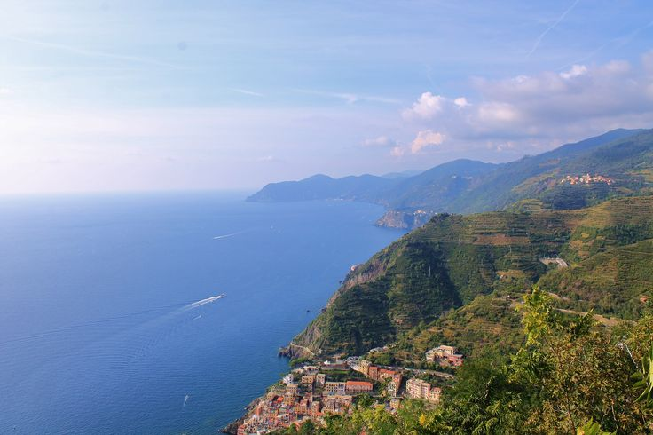 Right now I'm in front of this amazing view, up to Riomaggiore, looking the whole park of Cinque Terre #cinqueterre #riomaggiore #view #tourism #travel #scatteredtrails #travelpics #luxuryworldtraveler