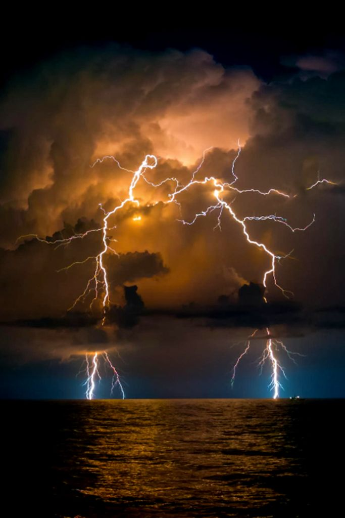 Lightning • By Chris Johnson - THis is a great photo! Imagine what would happen if you could shift your mindset so every day unfolded like a miracle? Find out more http://writeonpurpose.com/miracle