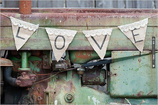 burlap love banner | VIA #WEDDINGPINS.NET