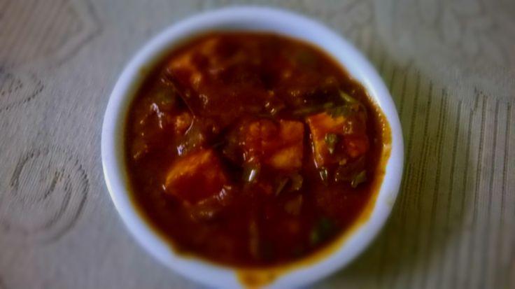 Kadai Paneer Recipe - A spicy Gravy of Paneer in frying pan