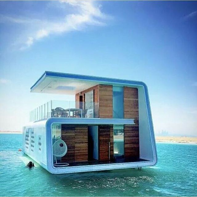 Casa flutuante em Dubai. Floating home in Dubai.  #casaflutuante #lugares #fotografia #floatinghome #photograph #photography #places #dubai