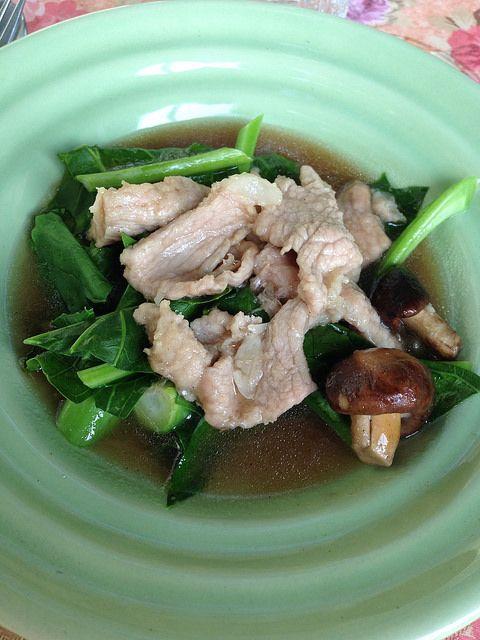 onze tweede gerecht: gebakken varkensvlees in oestersaus