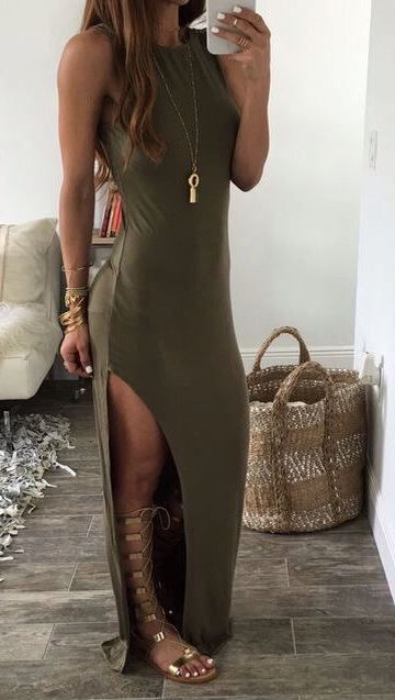 This olive green maxi dress with these gladiator sandals are so cute!