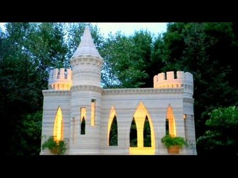 Man 3D Prints His Own Life-Size Castle [Video] - A man living in Shorewood, Minnesota obsessed with 3D printing built his own life-size 3D printer and printed himself a life-size castle.