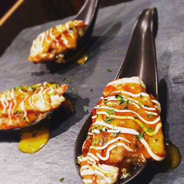 #牡蠣 の#ワンスプーン です。 #裏メニュー です。 #絶大 な#人気 です。 #サプライズ #演出 あります。 #海鮮#牡蠣#カキ  #創作#鉄板焼き#船橋#粉者 #本日 も営業しております。