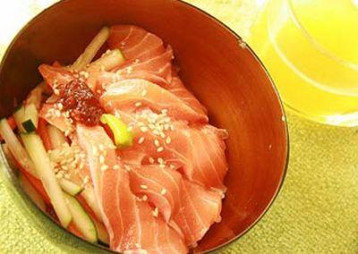 サーモンマリネ丼