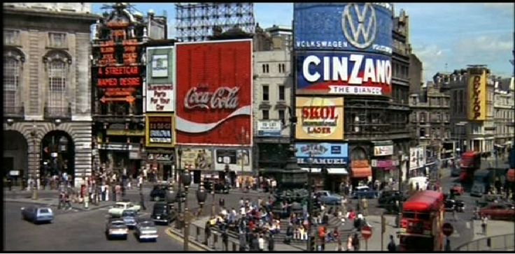 Piccadilly circus brannigan 1975 http dustyvideobox for Time square londra