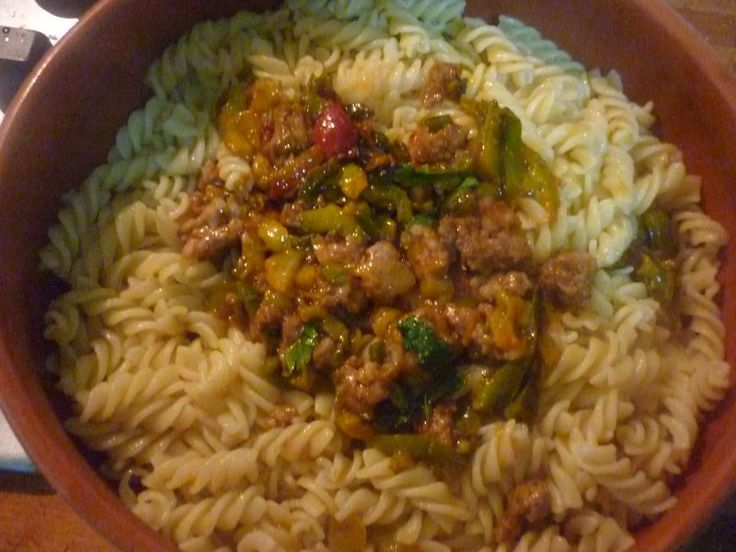 A delicious dish, #peppers and #sausage will once again show a winning combination. Also try replacing the pasta, a good plate of rice!