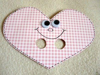 Valentin napi szivecske ujjbáb  http://www.hobbycenter.hu/Unnepek/kreativ-oetlet-valentin-napi-szivecske-ujjbab.html