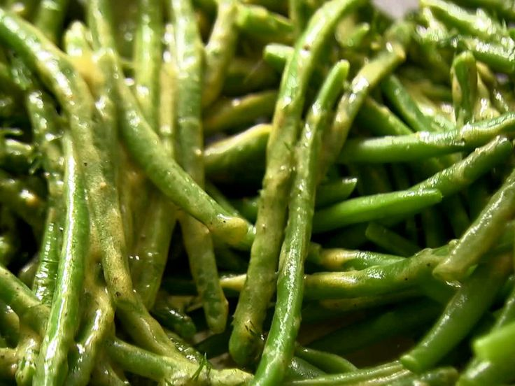French String Bean Salad - Barefoot Contessa   so delicious - perfect for taking on a picnic