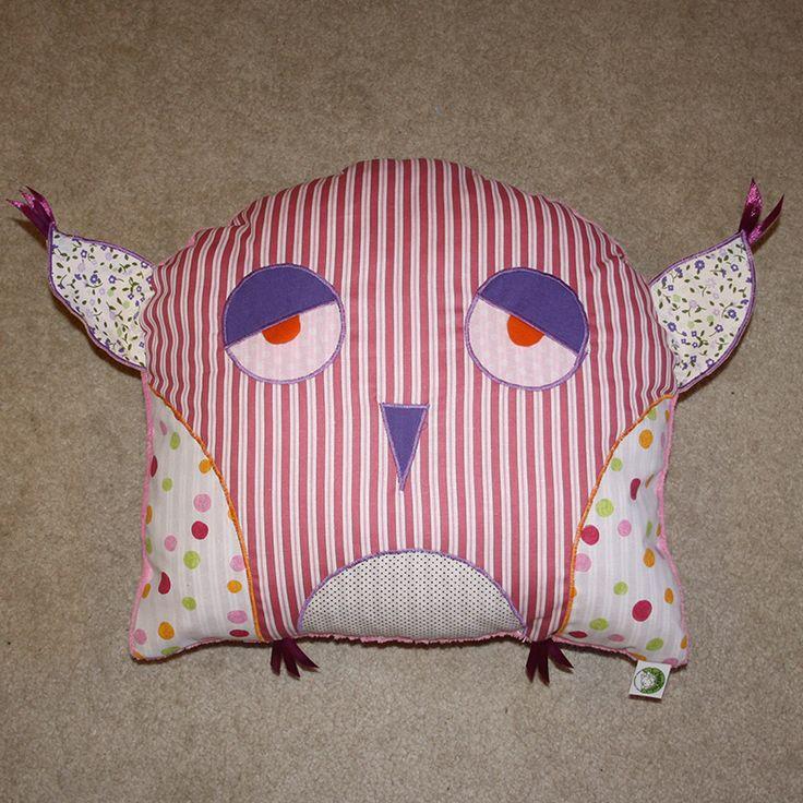 Striped owl pillow in rose mood 2015. www.masnimesi.net