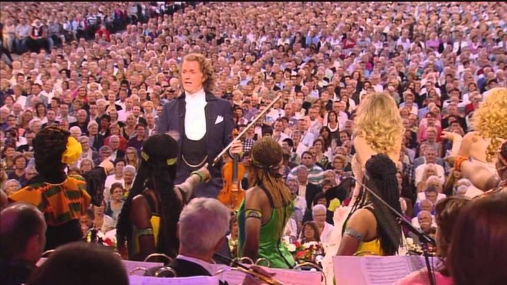Andre Rieu - I Will Follow Him Under The Stars - Live In Maastricht V Espetacular vale a pena ver e rever!!!