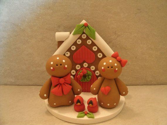 Gingerbread House - Gingerbread Couple - Figurine. Casita de gengibre con figuritas de pareja de gengibre.