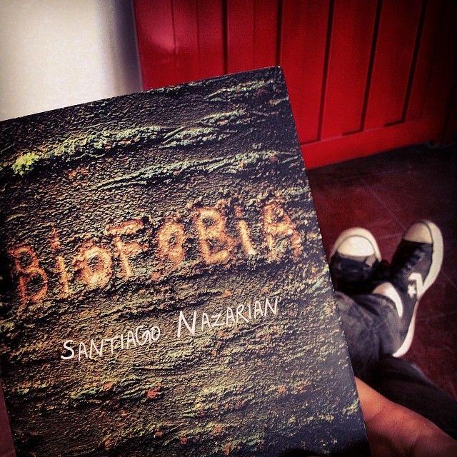 Resenha do livro recém-lançado Biofobia, de Santiago Nazarian.