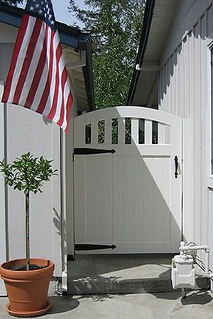 Builders Of Custom Wood Garden Gates, Driveway Gates, Cedar Fencing And Gate  Hardware.