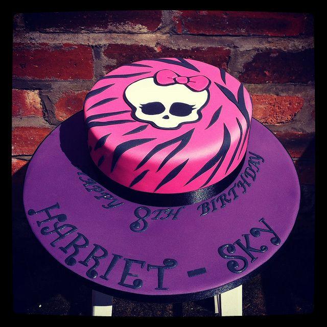 Monster high cake | Flickr: Intercambio de fotos