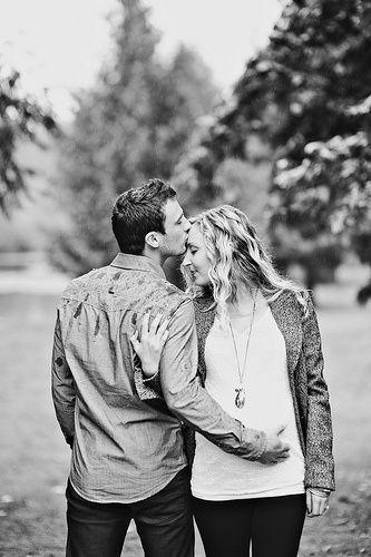 schwanger Fotoshooting einfache Pose mit Ehemann – #hubby #Photo #Pose #Pregnant #sho …   – Schwangerschafts Fotos