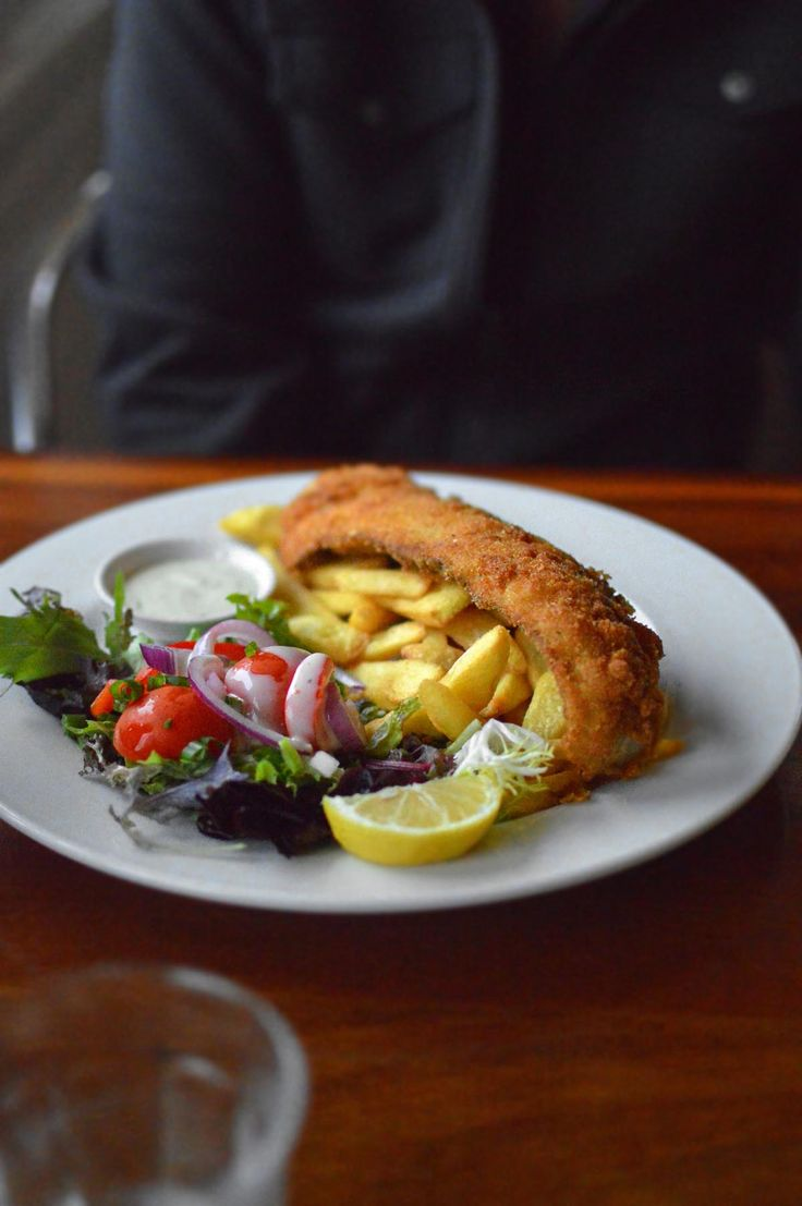 Fish & chips at Zac's Place, Currarong | heneedsfood.com