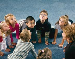 Cinq super postures de yoga à essayer avec les enfants !