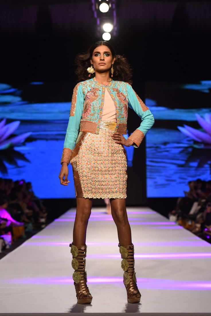 Amna Ilyas for Wardha Saleem TFPW15