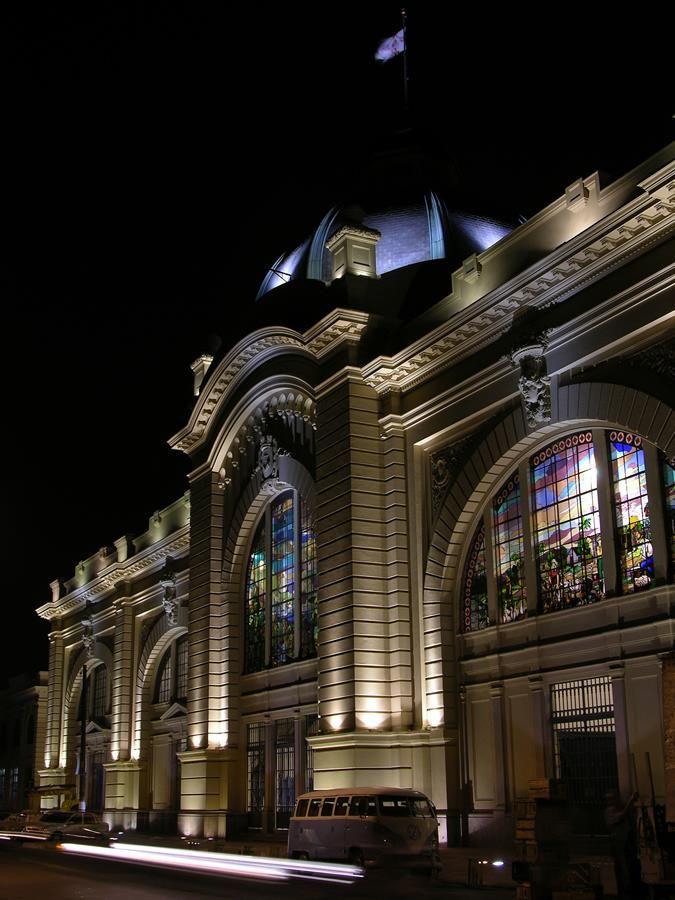 Galeria da Arquitetura | Mercado Municipal de São Paulo - Recuperação não se limitou somente ao edifício, como também à área de entorno