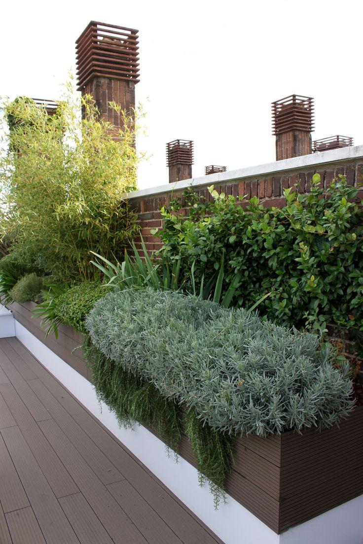 Jardin en atico paisajismo con tarimaexterior sintetica for Paisajismo de terrazas