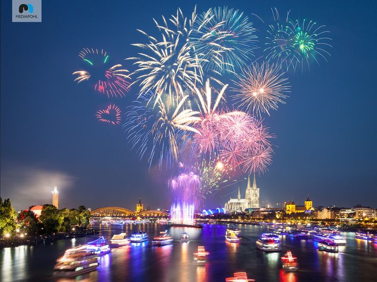 Kölner Lichter 2013 by Andreas Pohl on 500px