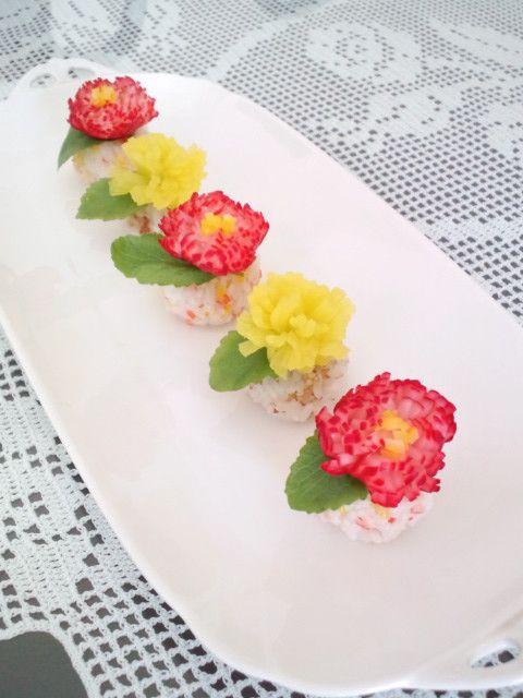 柚子の香りを添えた『菊花ラディッシュ』 可愛いサラダ感覚のお酢の物。 おせち以外にも大活躍です!