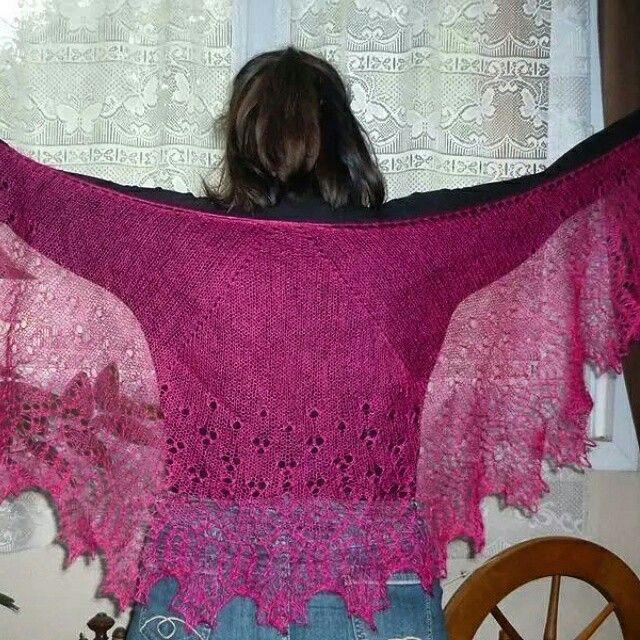Châle coeur de dentelle de Mar'Laine tricote