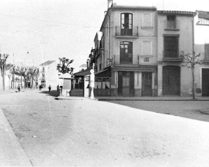 Plaza Clave 1950.                                                                                                                            Más