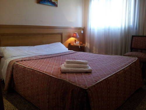 Hostal Juan XXIII (**) SEYNABOU ELMORE ARREDONDO has just reviewed the hotel Hostal Juan XXIII in San Sebastián de los Reyes - Spain #Guestaccommodation #SanSebastiándelosReyes