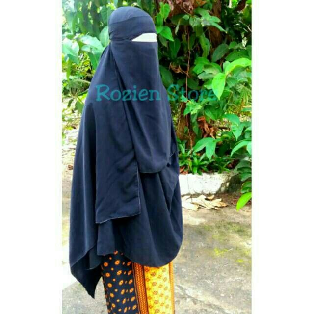 Saya menjual Pasmina instan jumbo plus cadar bandana jetblack silk niqob niqab seharga Rp180.000. Dapatkan produk ini hanya di Shopee! https://shopee.co.id/syifa.afifah94/30133041 #ShopeeID