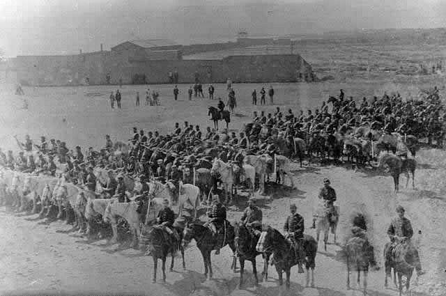 Regimiento Granaderos a Caballo, en formaciòn en Antofagasta, 1879