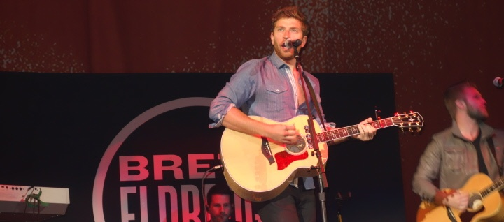 Brett Eldredge Makes New Fans Everynight, On Taylor Swift's Red Tour | FrontRowNews.com