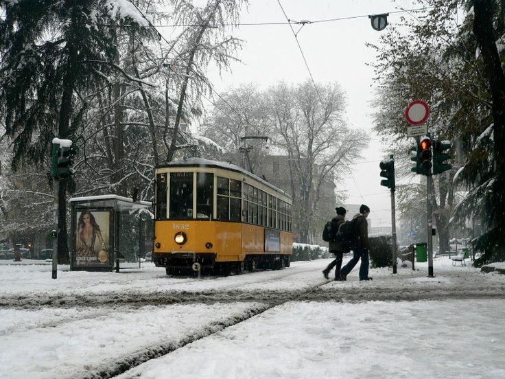 https://flic.kr/p/dC2U1A | linea 5, piazzale Ferravilla | 14 dicembre, abbondante nevicata