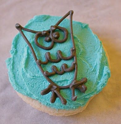 Owl Birthday Cupcakes - great idea with the hardened chocolate!