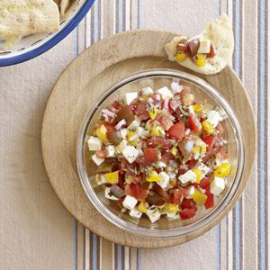 Chunky Tomato Salsa - a delicious summertime snack #salsa #summer #snack