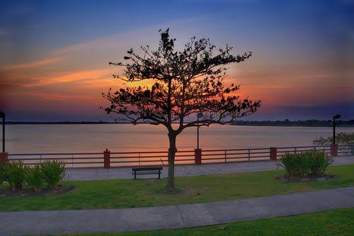 Amacer sobre costanera de Formosa