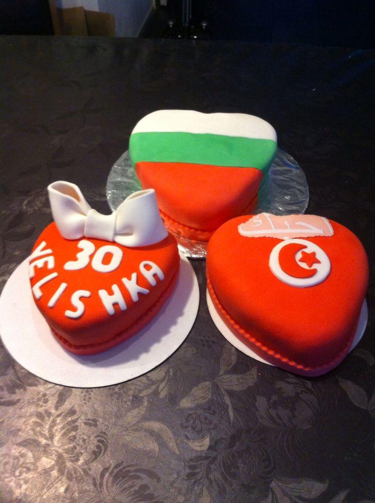 Harten taartjes bulgaarsche vlag en Turkse vlag