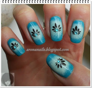 Funny Nails: Projekt Trendy - biel i turkus