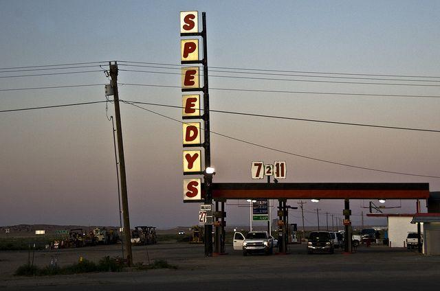 USA / California - Speedys Gas Station by Manu Foissotte