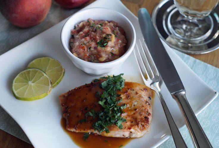 Salmon with Peach Salsa (Lachs mit Pfirsich-Salsa) - USA kulinarisch