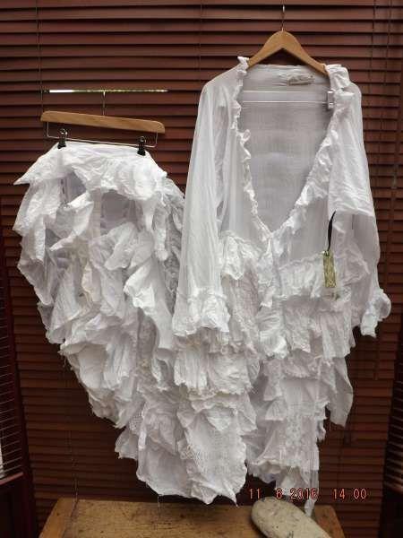 RITANOTIARA todos los tamaños hechas a orden tren largo boda capa nupcial vestido de encaje antiguo vintage blanco seda volantes volantes gitano ropa de algodón de RitaNoTiara en Etsy https://www.etsy.com/es/listing/253960728/ritanotiara-todos-los-tamanos-hechas-a