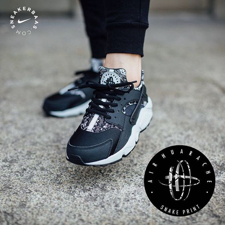 #huarache #huaracheprint #snakeskin #sneakerbaas #baasbovenbaas  Nike Huarache 'Snakeskin'- Nike is preparing us for the rough weather that''s coming with a rough and tough, snakeskin-colorway. The embossing of the 'snakeskin' is done on the heel and tongue.  Now online available   Priced at 119.95 EU   Wmns Sizes 35.5- 42 EU