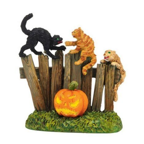 Creepy Cats www.teeliesfairygarden.com As they run out of the haunted house, the creepy cats tried to chase them. They run as fast as they could! These creeps' cats will certainly add an eerie vibe to your fairy garden! #fairyhalloween