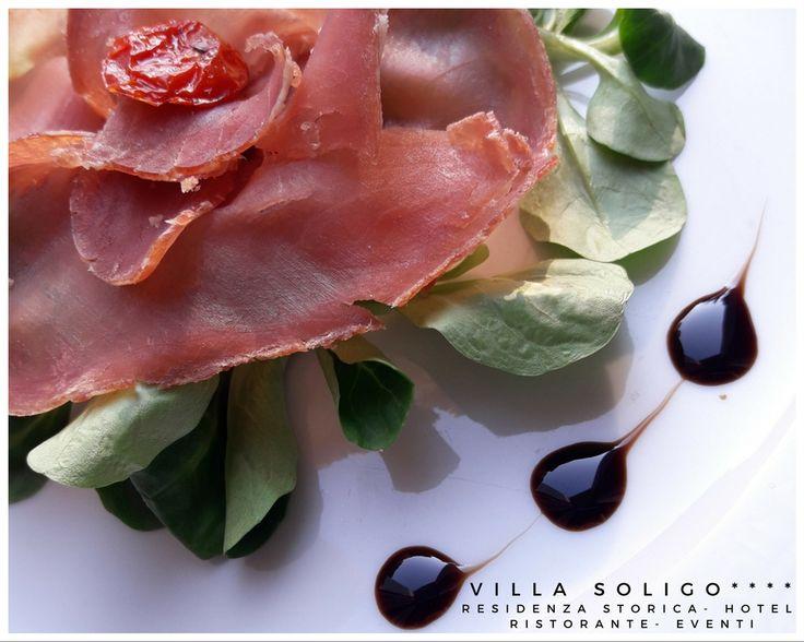 Arte in cucina con il nostro Chef   www.hotelvillasoligo.it