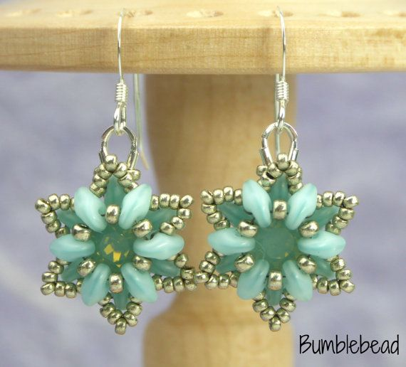 Crown Flower Bracelet and Earring Tutorial by BumblebeadCrafts