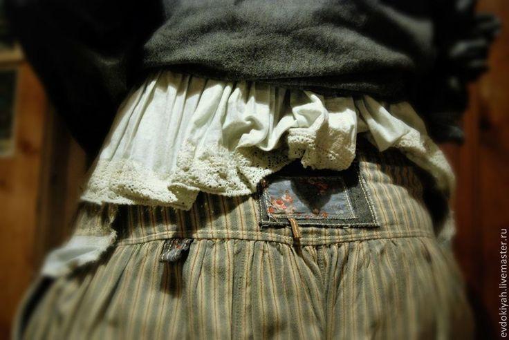 Купить или заказать ОДЕЖДА ДЛЯ СВОБОДНЫХ НАТУР в интернет-магазине на Ярмарке Мастеров. Костюм из хлопка свободного покроя Куртка двусторонняя Майка Юбка ,немного присобранная к низу,с широкими карманами или штаны с широким шагом и выразительными манжетами с…