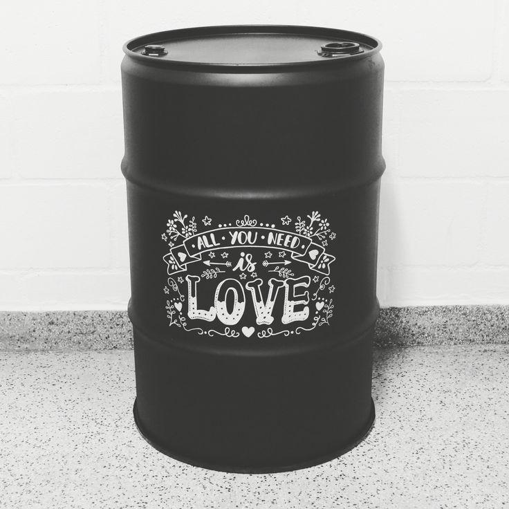All you need is love #beatles #blogprimeirorabisco #marinaviabone #drum #oildrum #industrialdesign #barril #rebecaguerra #lata #decoração